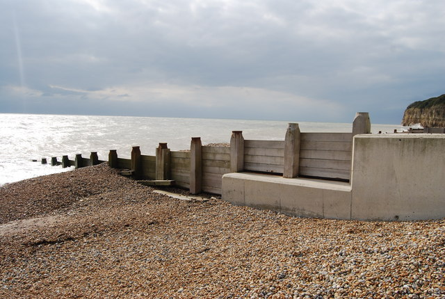 Concrete and wooden Groyne, Pett Levels
