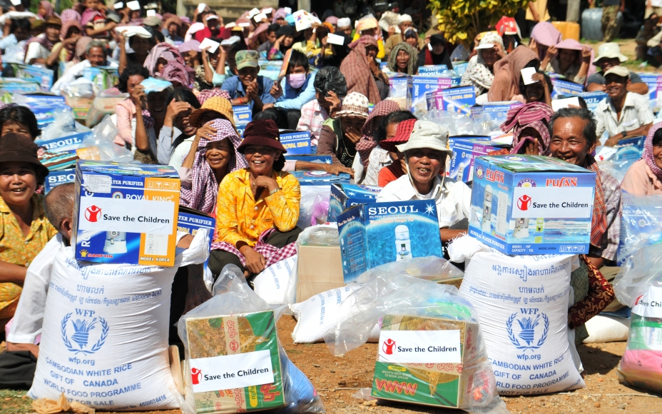 Cambodia - WFP Provides Emergency Food Supplies in Flood-Affected Areas. WFP/Meng Chanthoeun